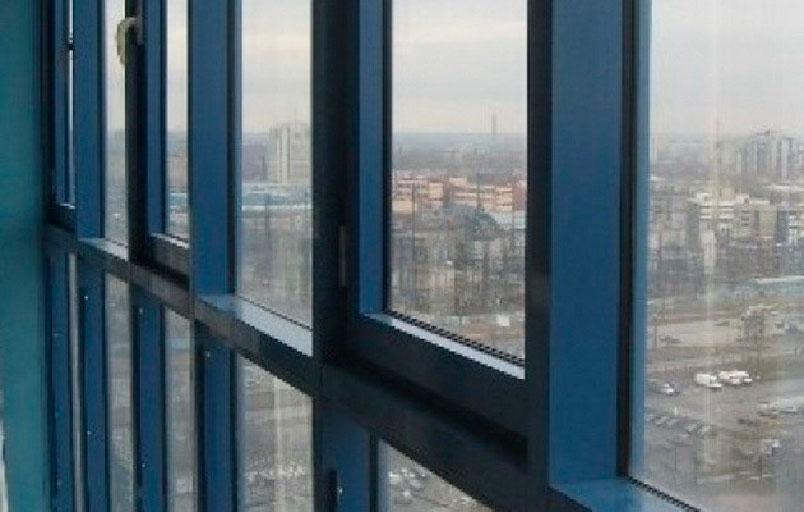 Замена холодного остекления балкона в системе татпроф.